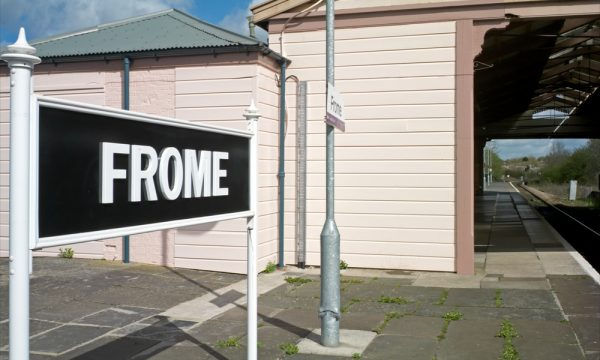 Photo showing the Frome sign at the railway station