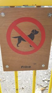 """Photo of """"No dogs allowed"""" sign"""