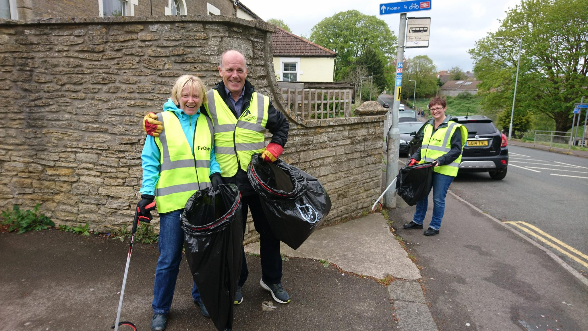 Photo of people litter picking in Frome.