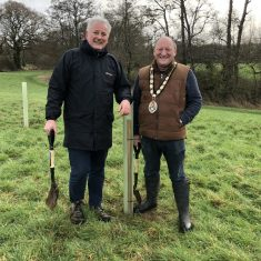 Mayor Mark Dorrington and Town Clerk Paul Wynne at tree planting event